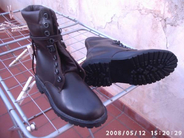 vendo scarponi mai usati