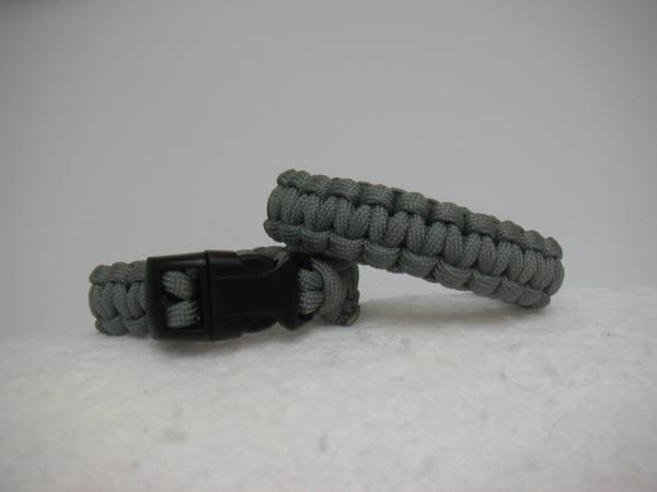braccialetto paracord grigio